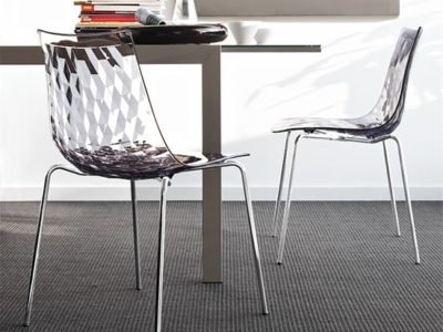 Chaise transparente design Icea