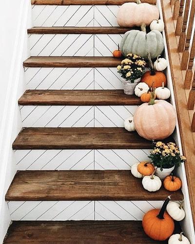 Décoration automne escalier Meubles Bouchiquet