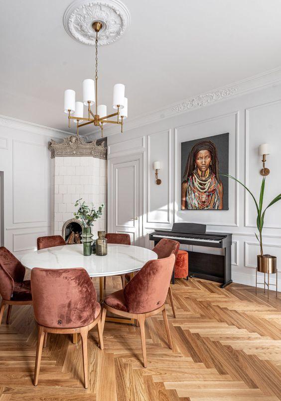 Salle à manger avec chaise orange Meubles bouchiquet