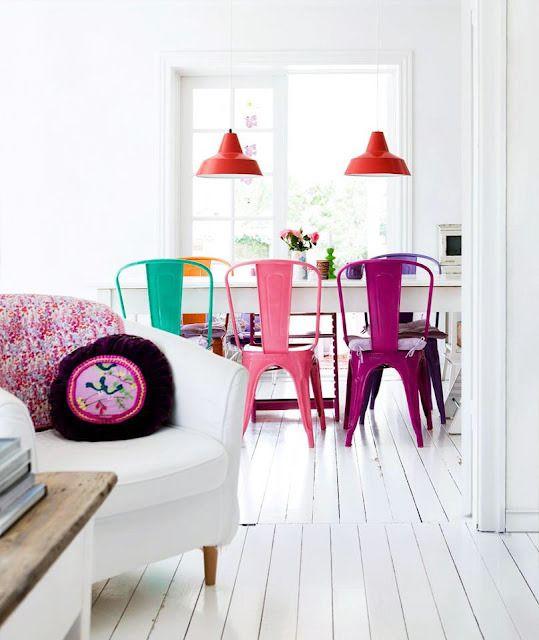 Salle à manger avec chaise rose Meubles Bouchiquet