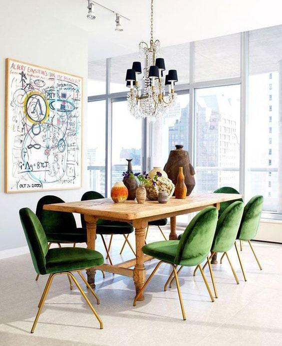 Salle à manger avec chaise verte Meubles Bouchiquet