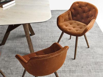 Lot de 4 chaises design velours orange avec accoudoirs Igloo - Promotion