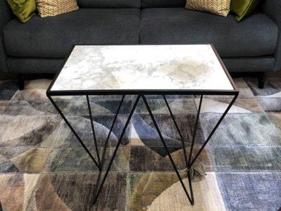 Bout de canapé marbre blanc et métal - Promotion